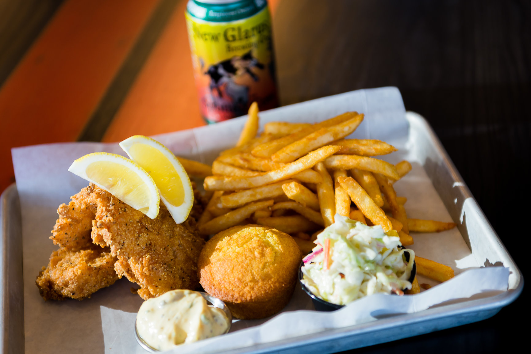 Happenings motor restaurant milwaukee wi for Best fish fry milwaukee